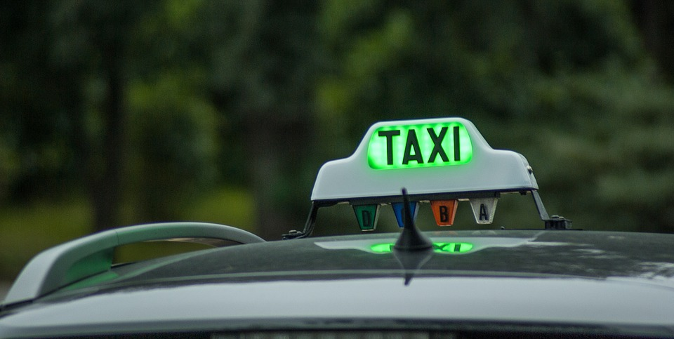 taxi-1161124_960_720